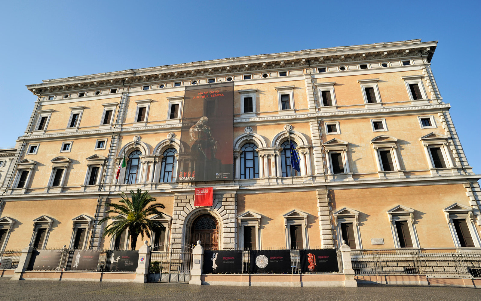 National Roman Museum At Palazzo Massimo Alle Terme