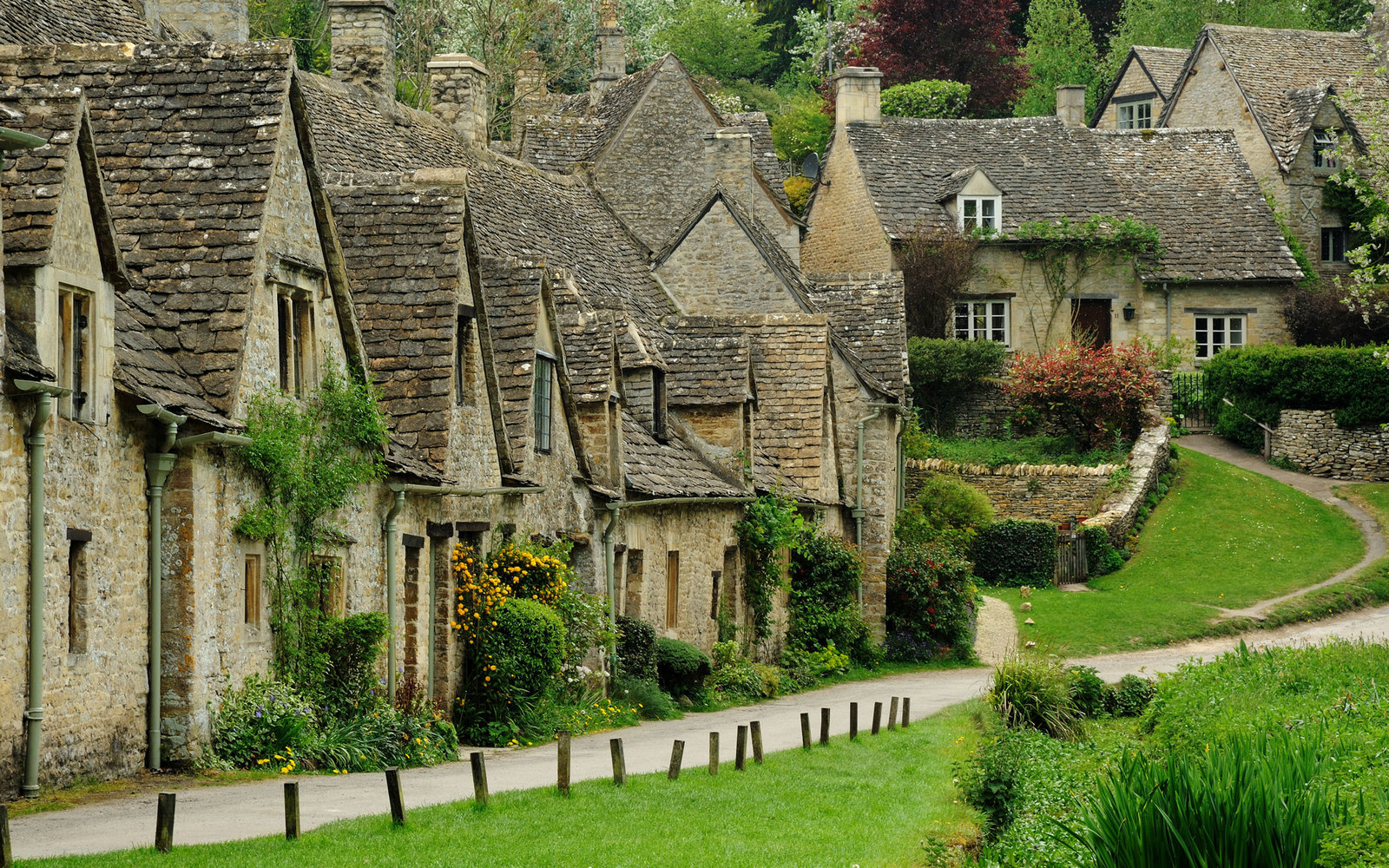 Meander Through the Cotswolds