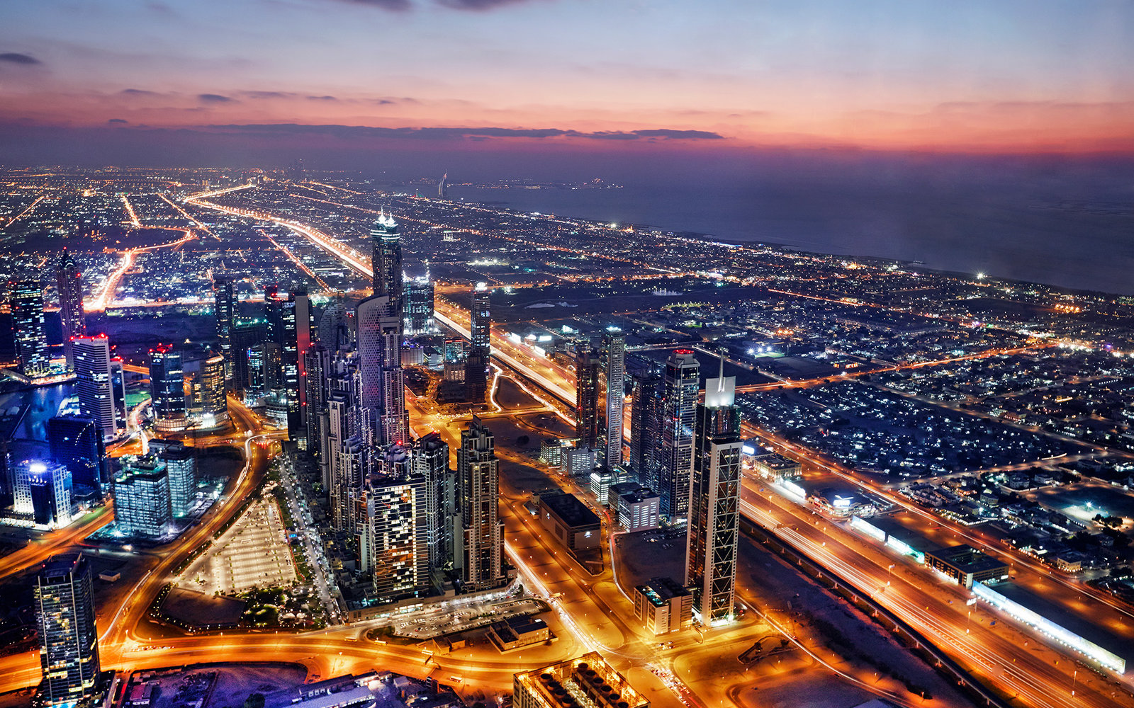 20 Photos That Prove Dubai is the Most Beautiful City to Admire From Above