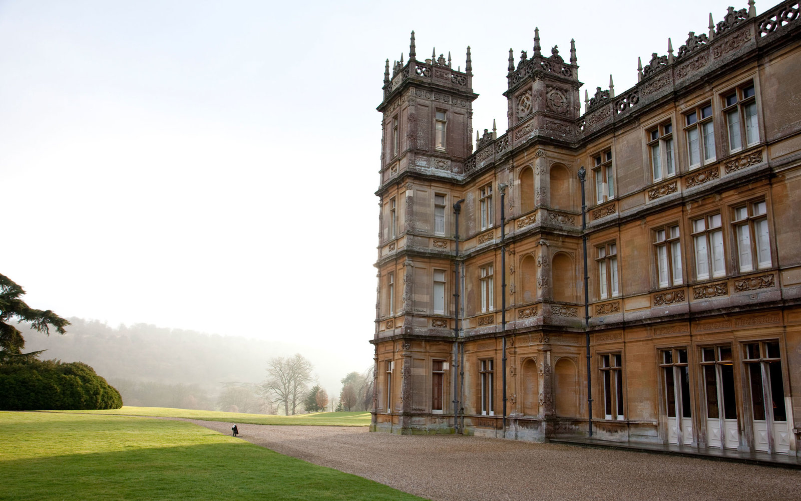 Behind the Scenes: Secret's of Downton Abbey's Highclere Castle ...