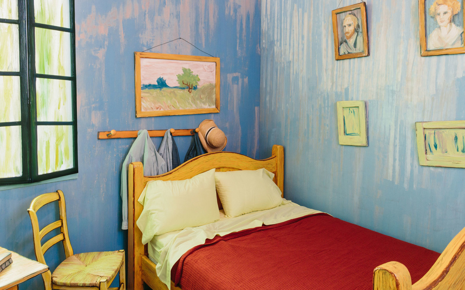 Van Gogh Bedroom Airbnb Chicago