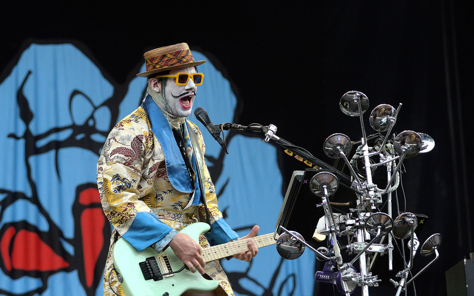 BUDAPEST, HUNGARY - AUGUST 16:  Wes Borland of Limp Bizkit performs on stage during day seven of Sziget festval at Obudai Island on August 16, 2015 in Budapest, Hungary.  (Photo by Didier Messens/Redferns)