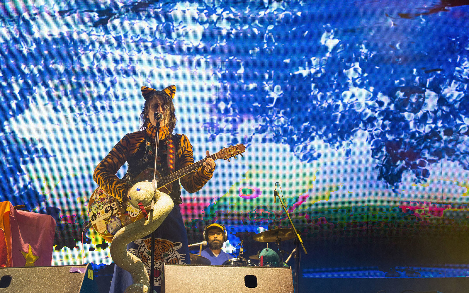 MEXICO CITY, MEXICO - MARCH 15:  Andrea Echeverri of Aterciopelados performs on stage during the third day of the Festival Vive Latino 2015 at Foro Sol on March 15, 2015 in Mexico City, Mexico.  (Photo by Victor Chavez/WireImage)