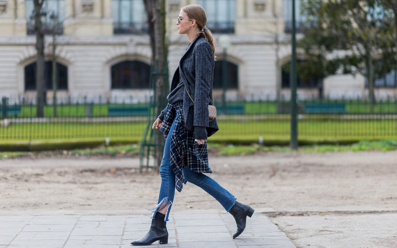 PARIS, FRANCE - January 26:  Fashion model Sasha Luss outside Chanel during the Paris Fashion Week -Haute Couture- Spring/Summer 2016 on January 26, 2016 in Paris, France.  (Photo by Christian Vierig/Getty Images)