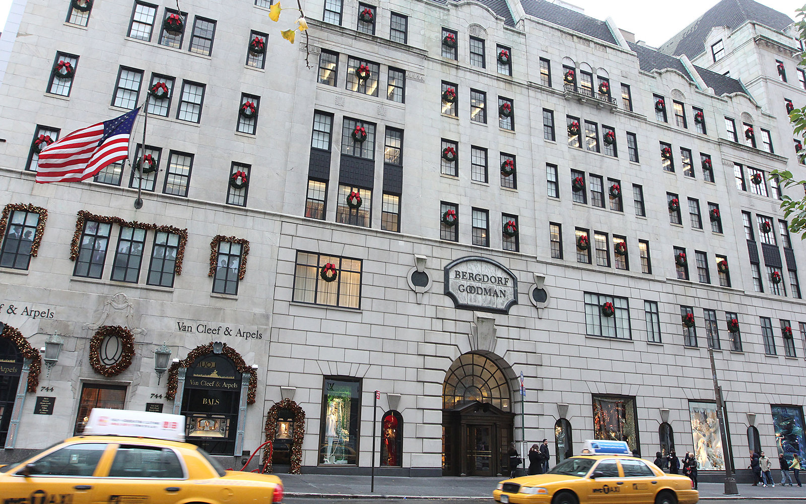 NEW YORK, NY - NOVEMBER 23:  Exterior view of the 2011 Holiday Windows at Bergdorf Goodman on November 23, 2011 in New York City.  (Photo by Rob Kim/Getty Images)