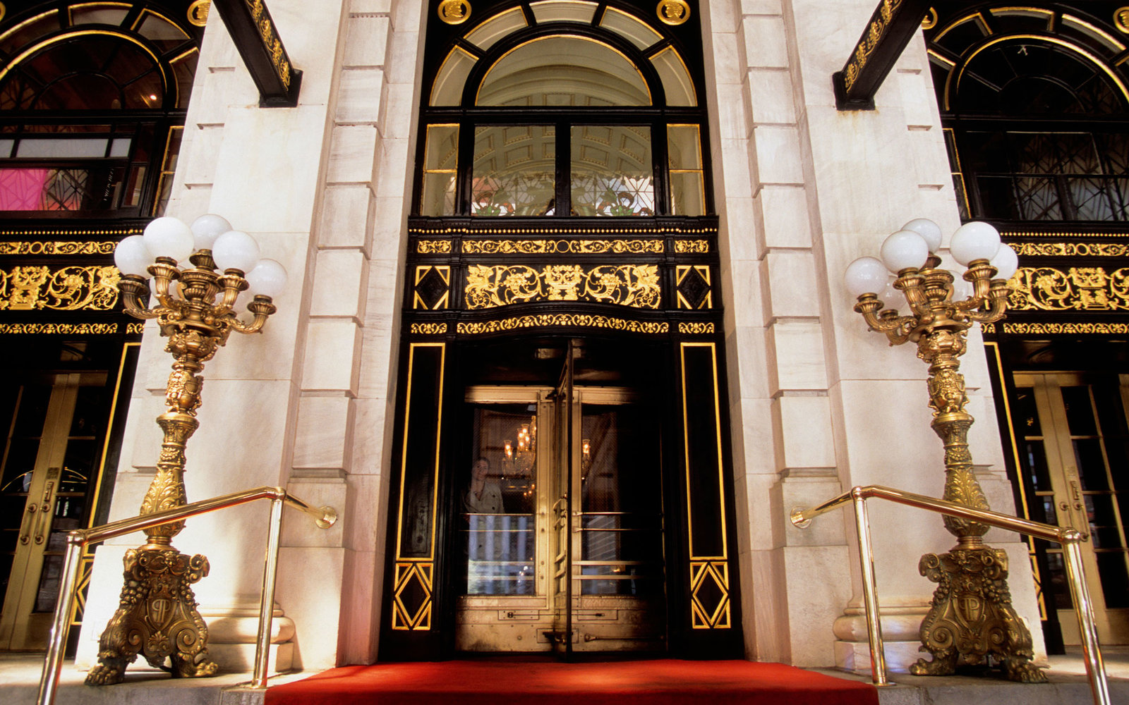 Secrets of the plaza hotel travel leisure for Best boutique hotels nyc 2016