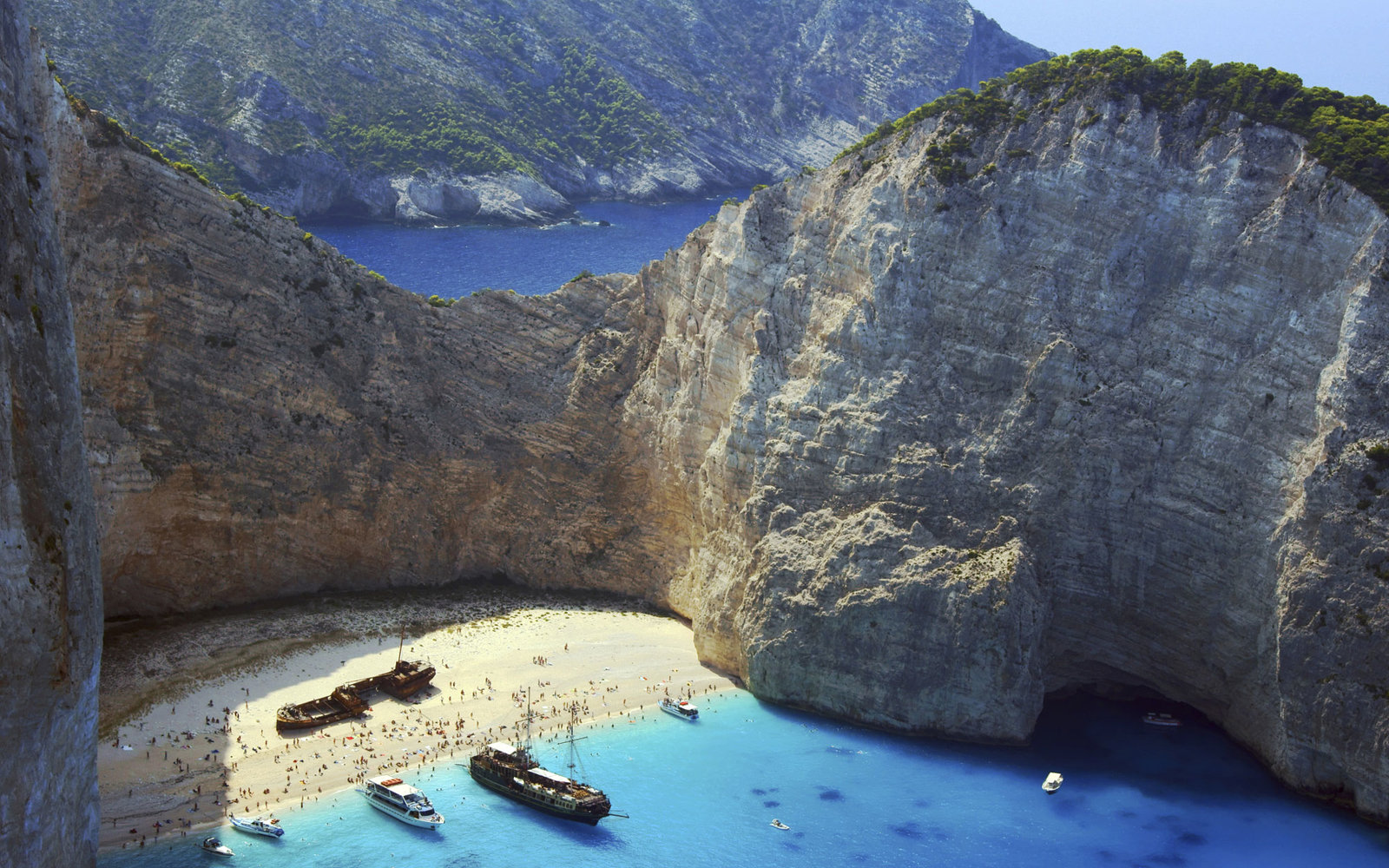 Best secluded beaches in greece