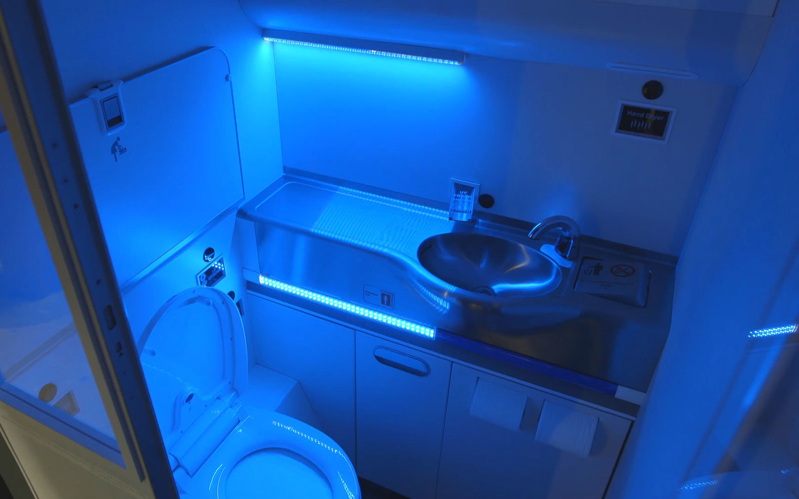 Boeing Self Cleaning Lavatory