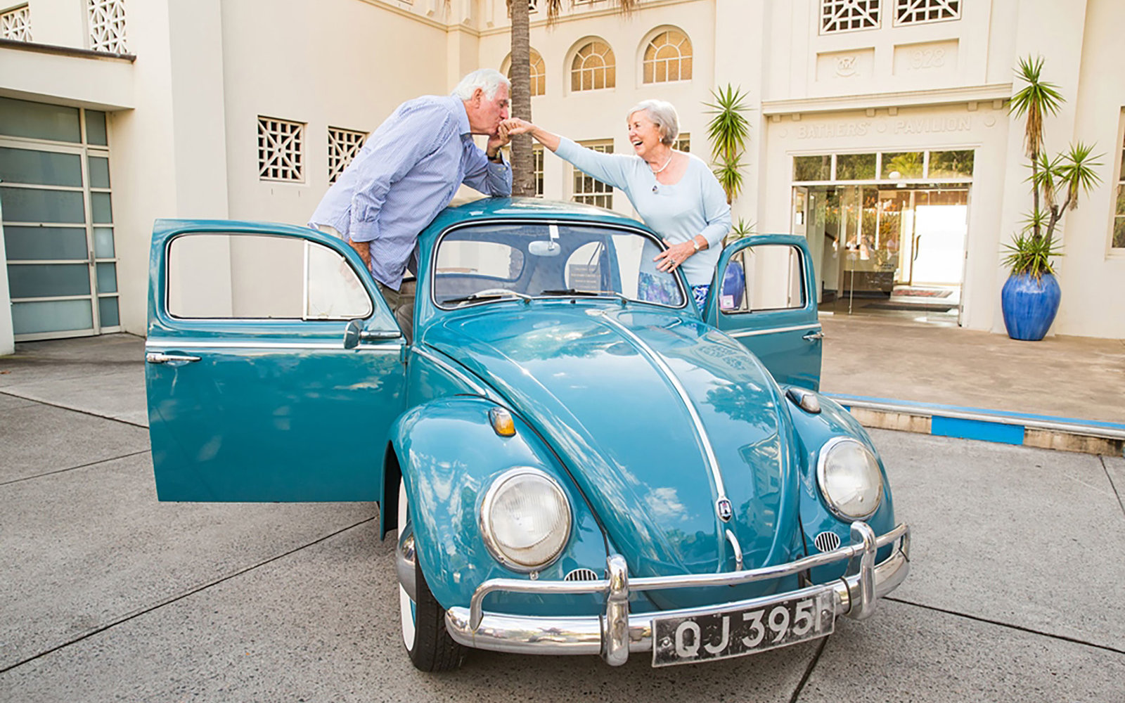 New Zealand Couple Takes Old Vw Bug On One Last Adventure
