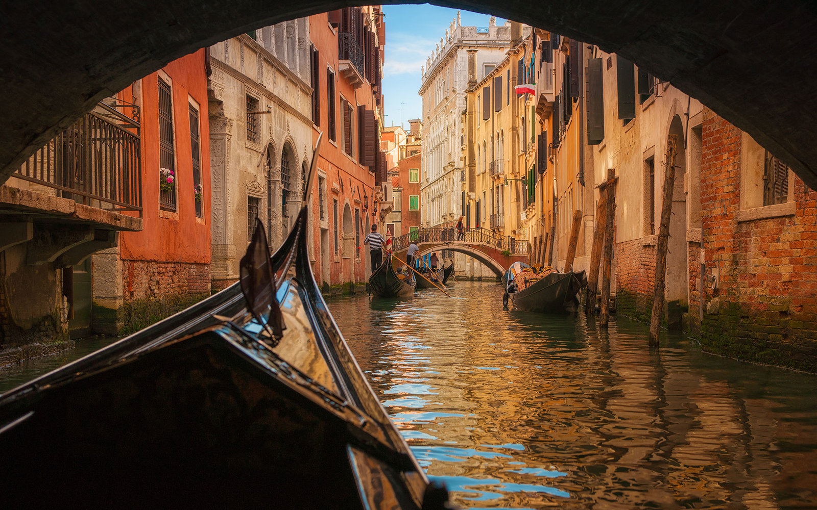 Gondola Rides In Venice Are Now Wheelchair Accessible