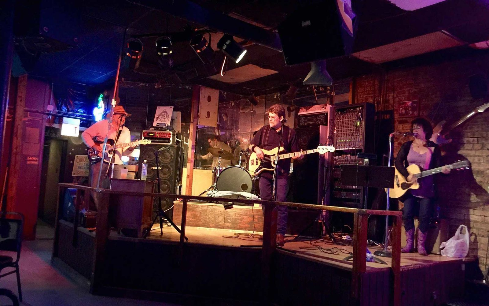 Chicago S Best Dive Bars Travel Leisure