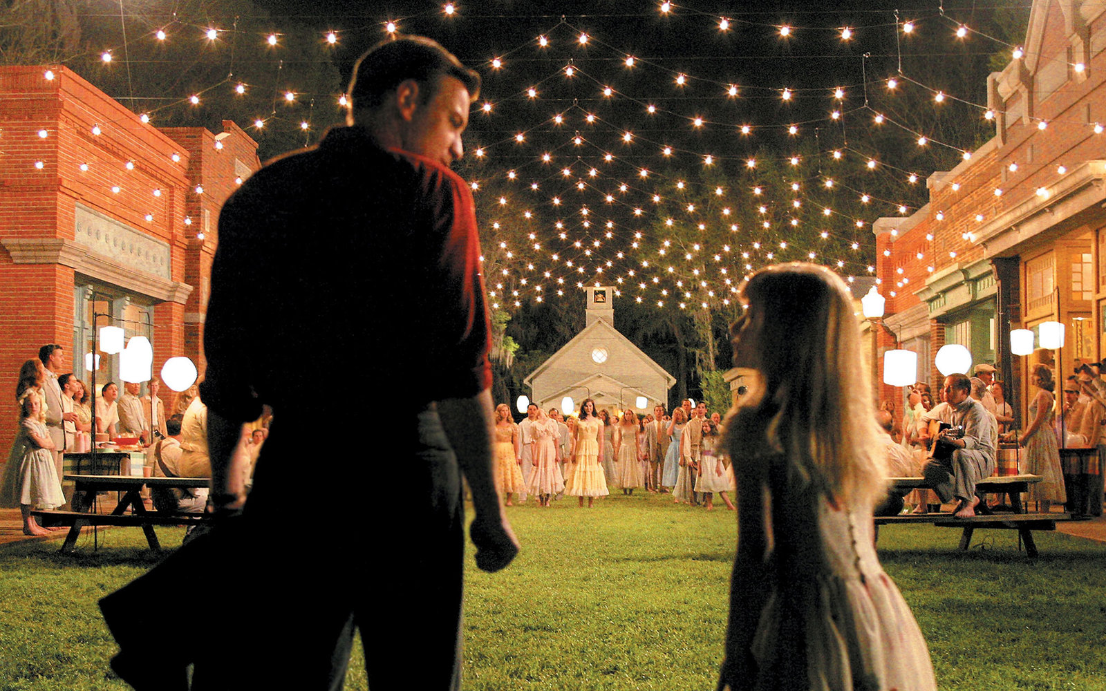 A70T9K BIG FISH 2003 Columbia film with Ewan McGregor and Halley Anne Nelson