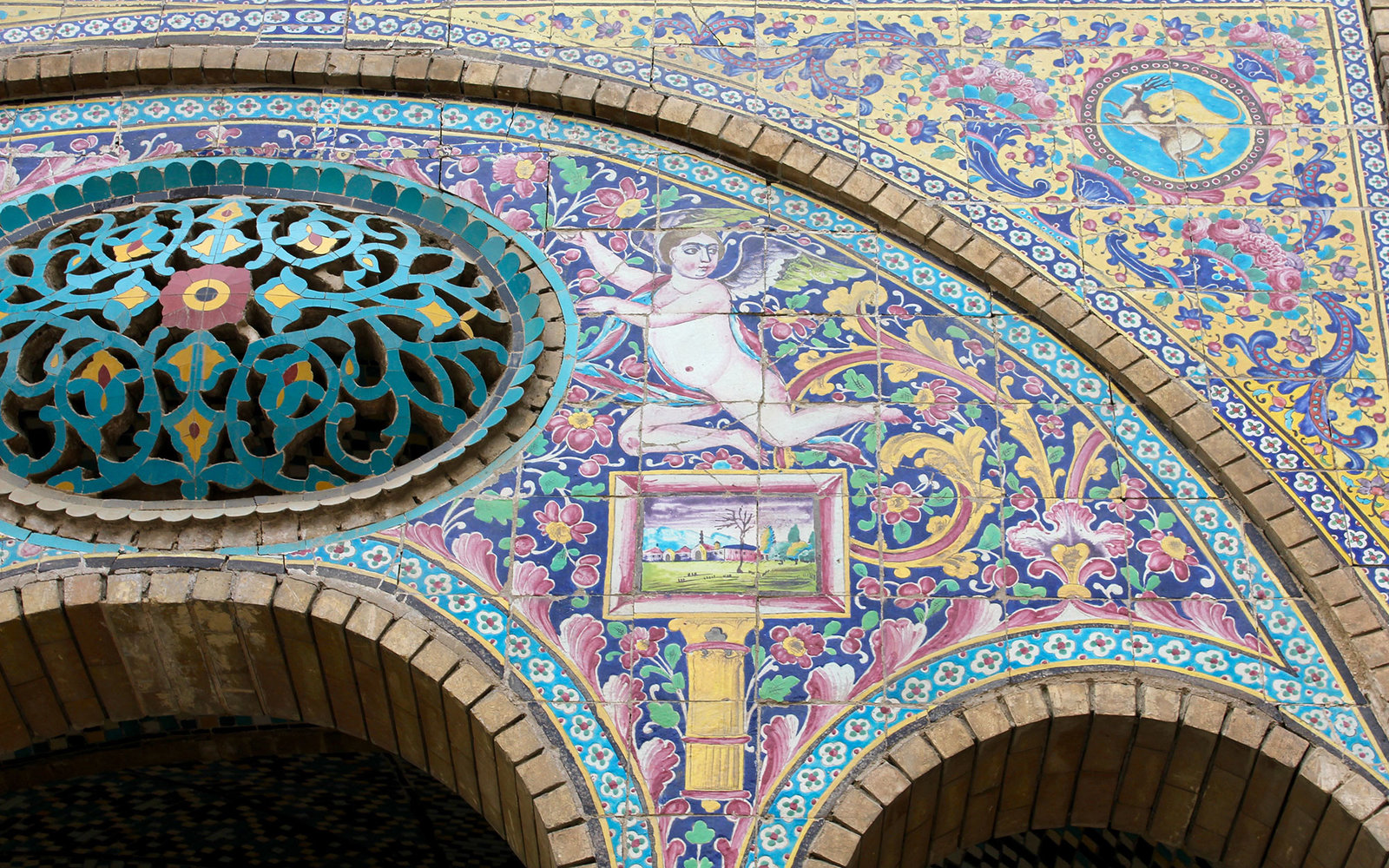 A Visual Tour of Iran's Tilework