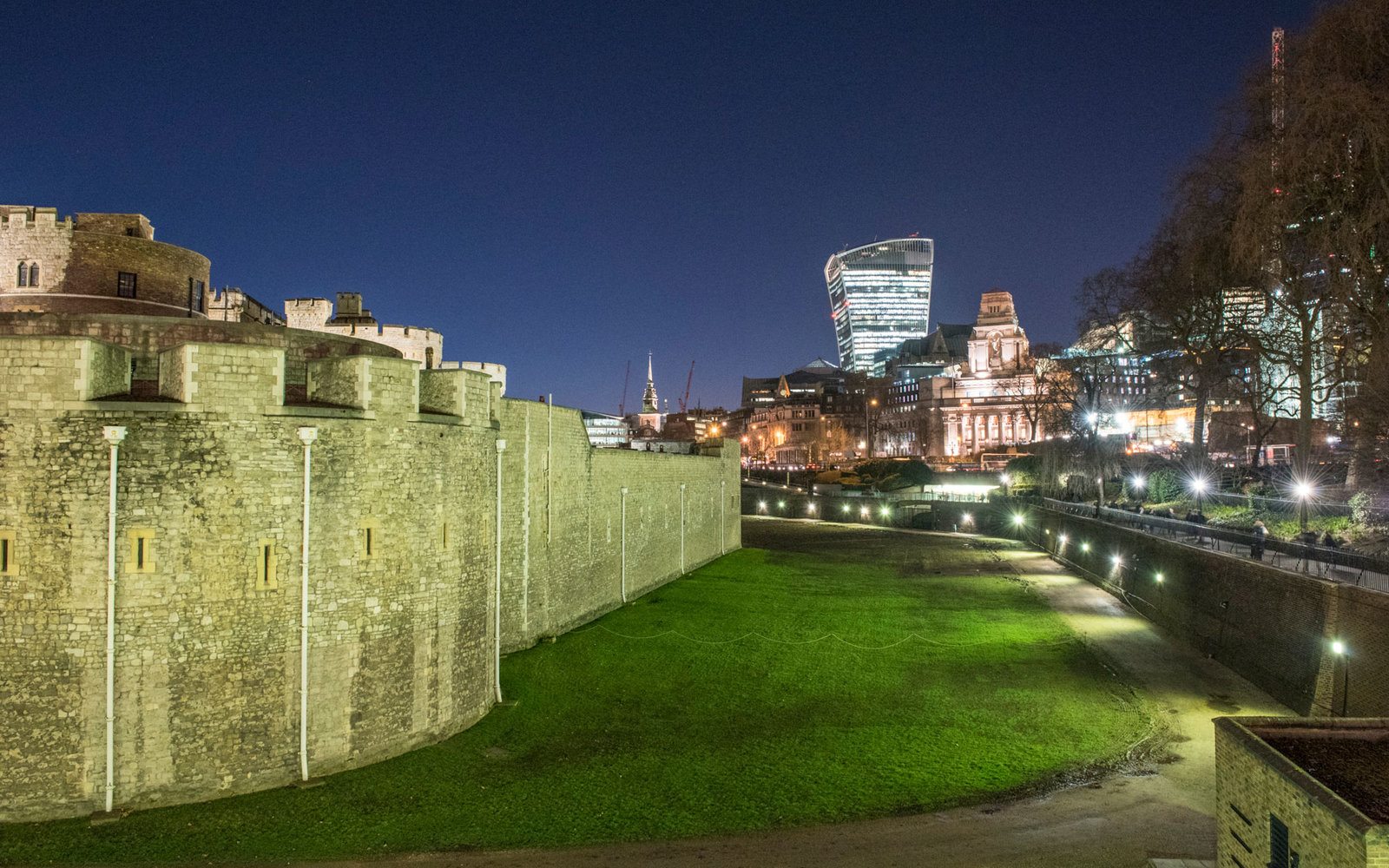 The Tower Of London Moat To Become A Movie Theater This