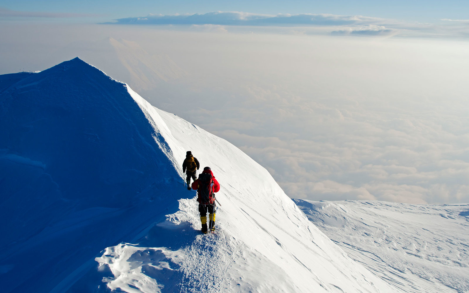 USA, United States of America, Alaska, Denali National Park, summit ridge, climbing expedition on Mt McKinley 6194m, highest mountain in north America