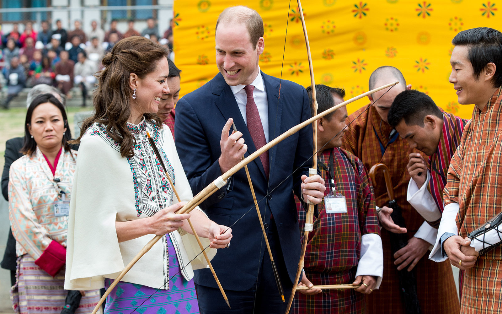 THIMPHU, BHUTAN - APRIL 14:  Catherine, Duchess of Cambridge and Prince William  take part in archery at Thimphu's open-air archery venue on April 14, 2016 in Thimphu, Bhutan.  (Photo by Samir Hussein/Pool/WireImage)