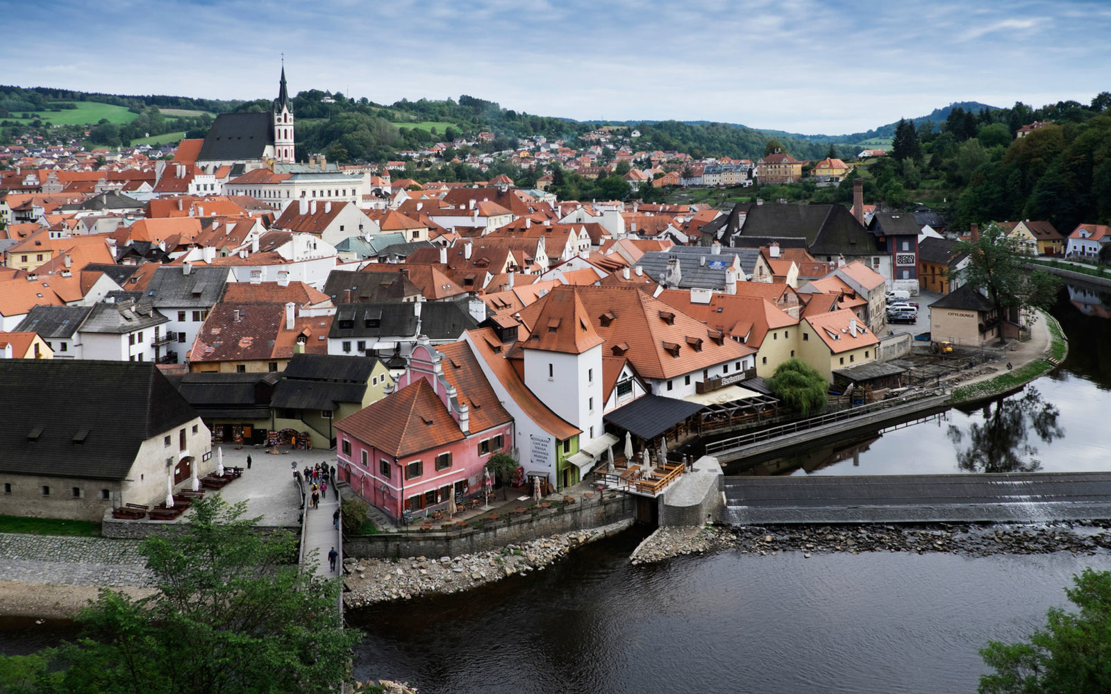 Cesky Krumlov with St Vitus church in background Czech Replublic