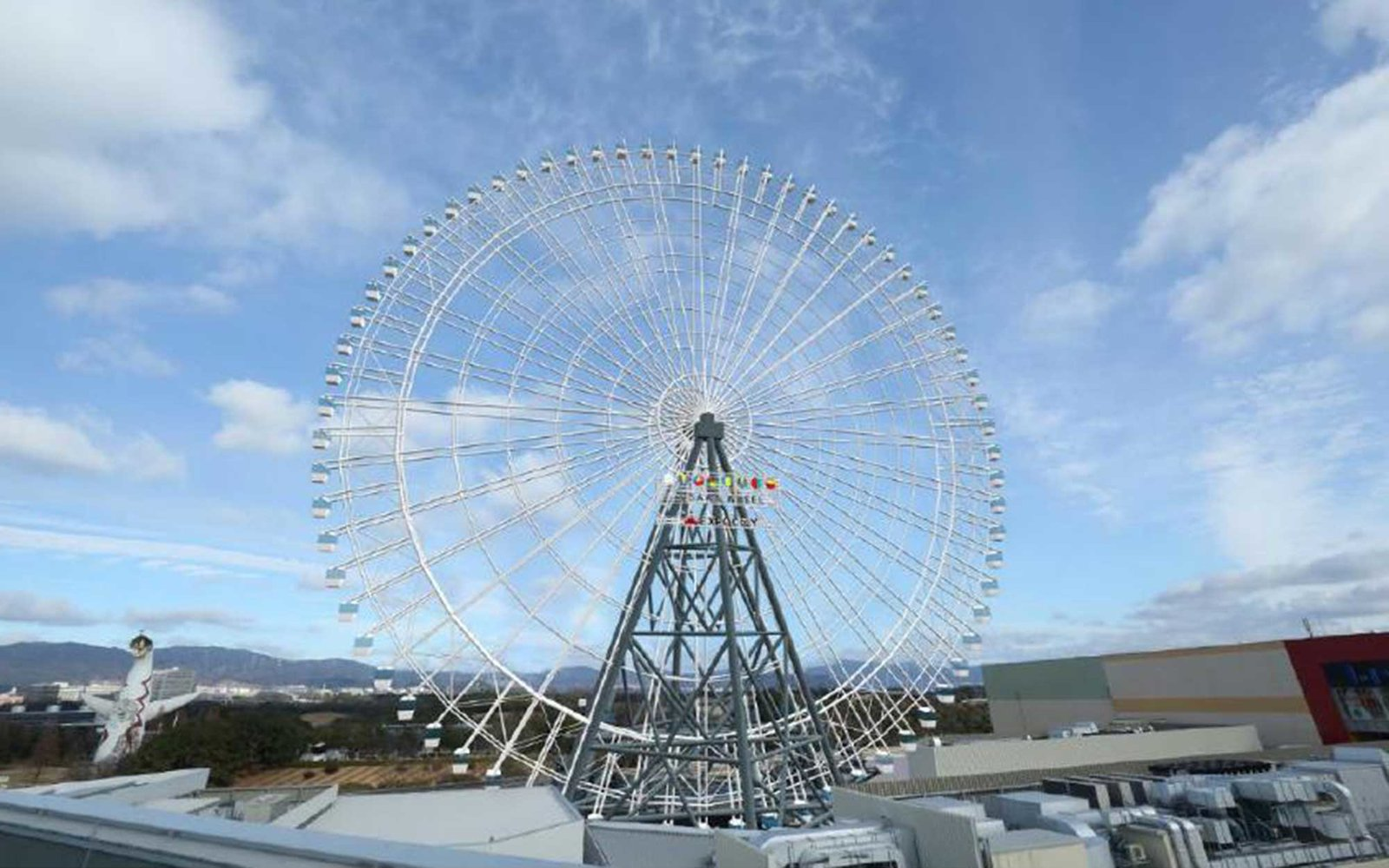 Japanese glass bottom ferris wheel