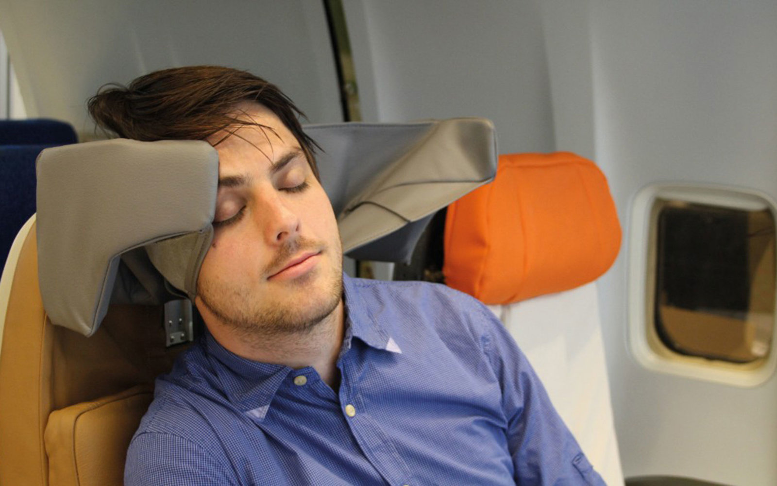 This Might Be The Most Comfortable Airplane Seat Headrest