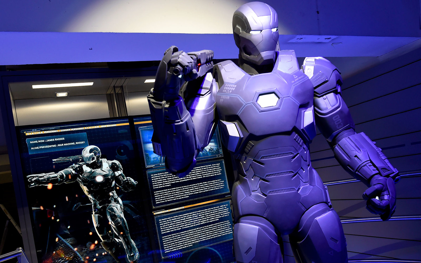 A photo taken on April 13, 2016 shows Marvel Comics superhero  War Machine  on display at the interactive Marvel Avengers STATION exhibition in the bussines district of La Defense, west of Paris. / AFP / MIGUEL MEDINA / RESTRICTED TO EDITORIAL USE - MANDA