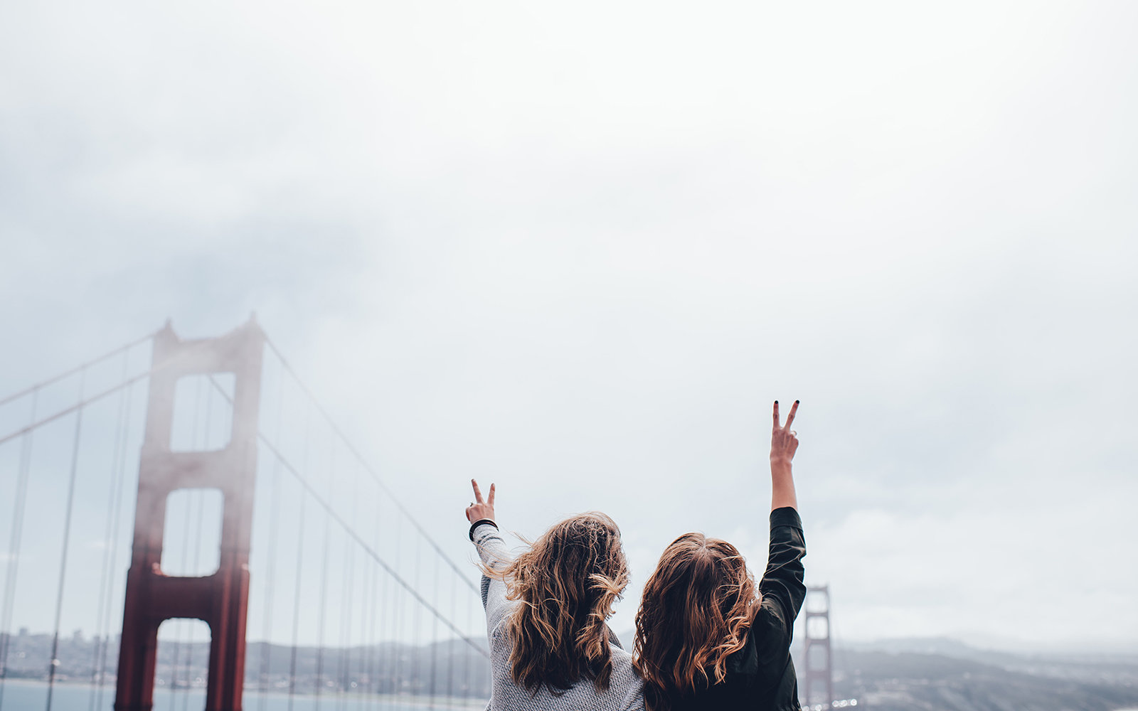 18 Ways to Meet People When Traveling Solo