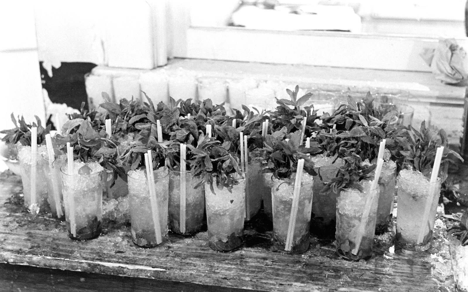 Churchill Downs Mint Juleps 1937