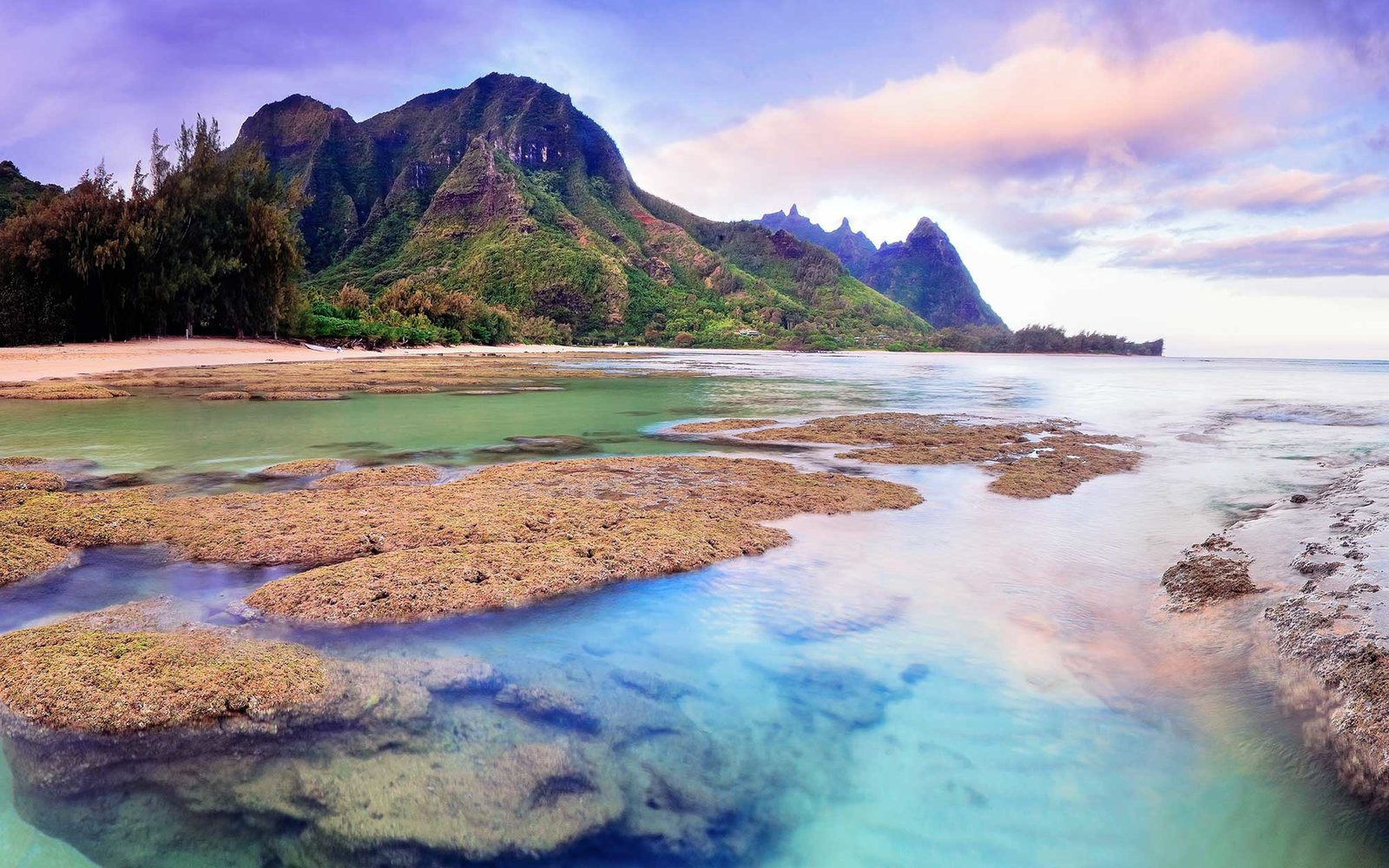 Tunnels beach and Bali Hai point on the north shore of Kauai, Hawaii, USA