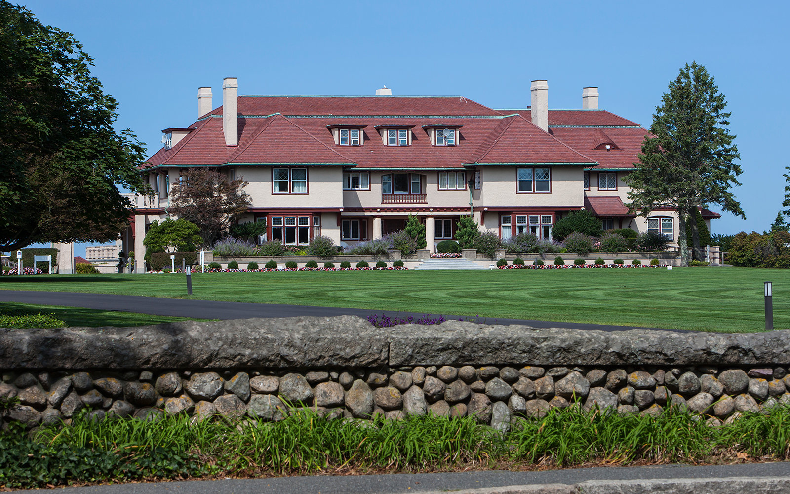 Brewster's Ocean Edge Resort
