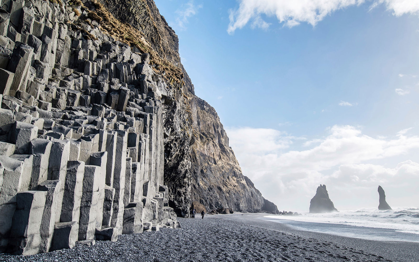 The black sand beach of Reynisfjara and the mount Reynisfjall, iceland