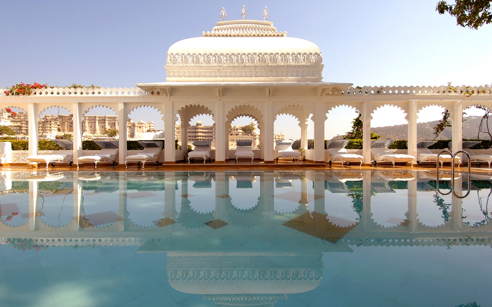 Taj-Lake-Palace-Udaipur-India-WBHOTELS0606.jpg