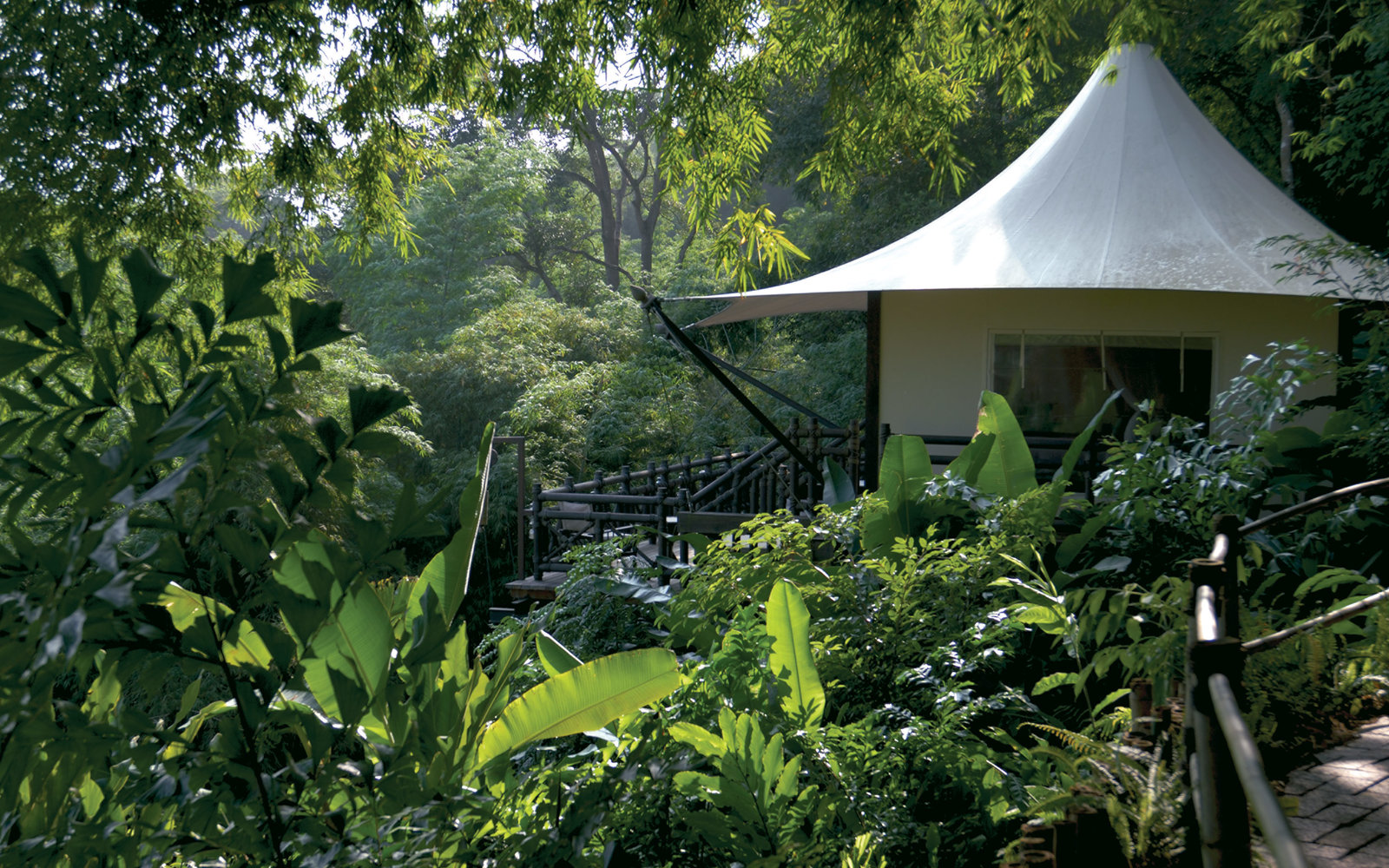 Four-Seasons-Tented-Camp-Golden-Triangle-Chiang-Rai-Thailand