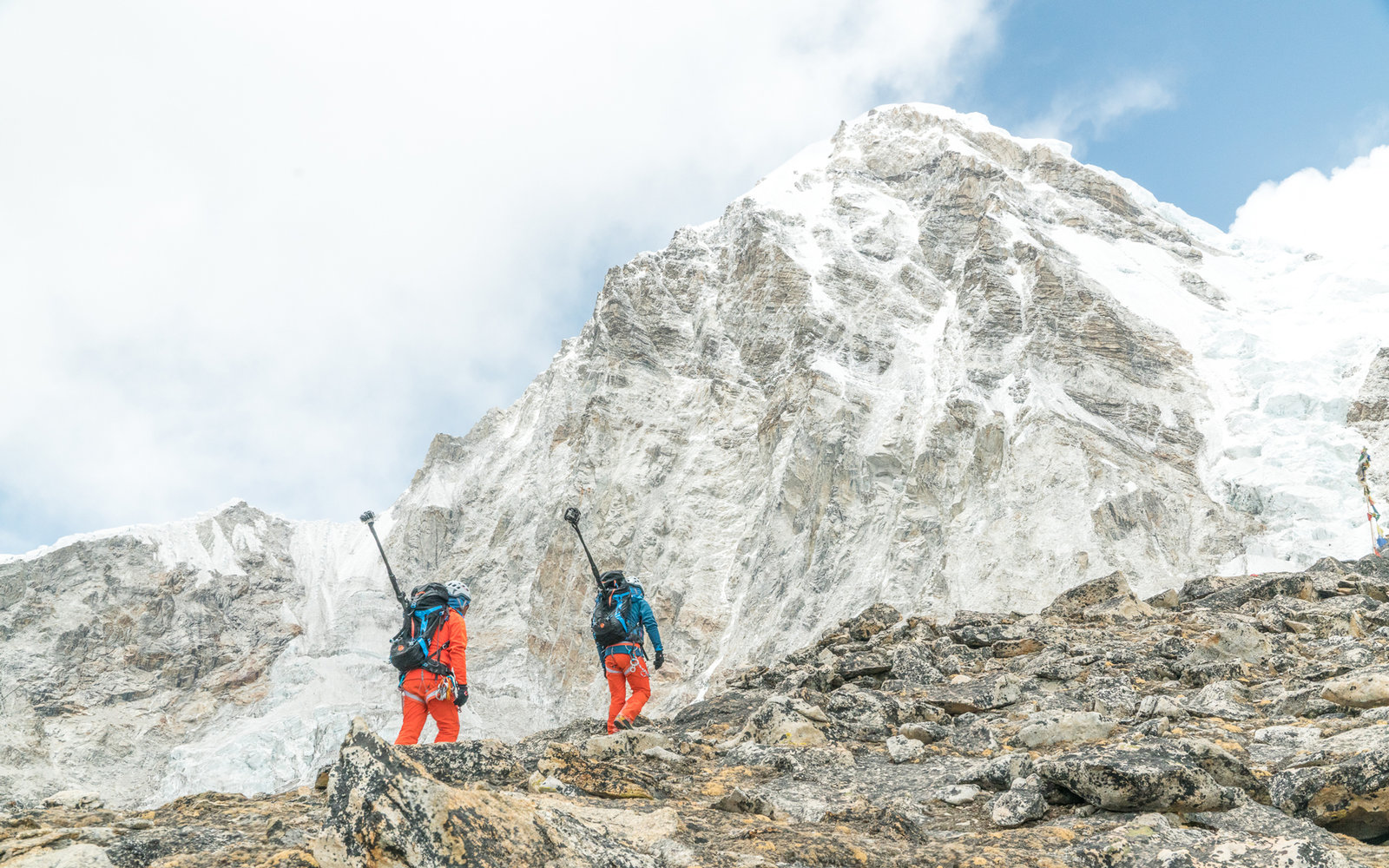 Explore Mount Everest With This Breathtaking 360-Degree Experience
