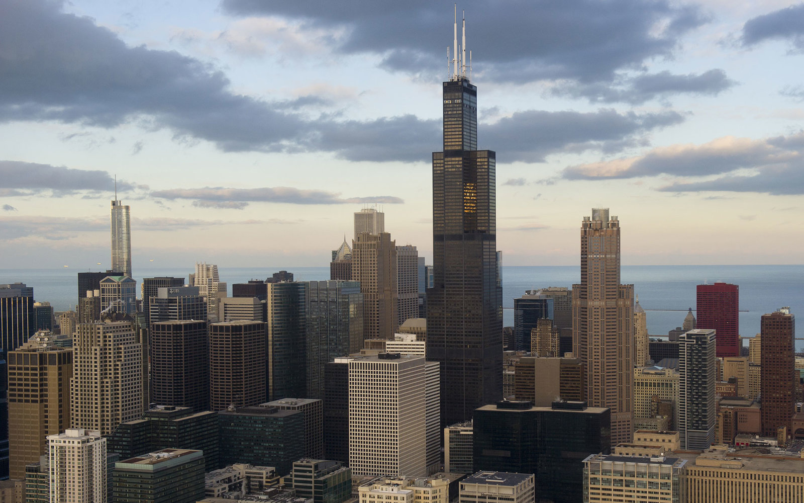 Chicago, Illinois, downtown skyline and Willis Tower