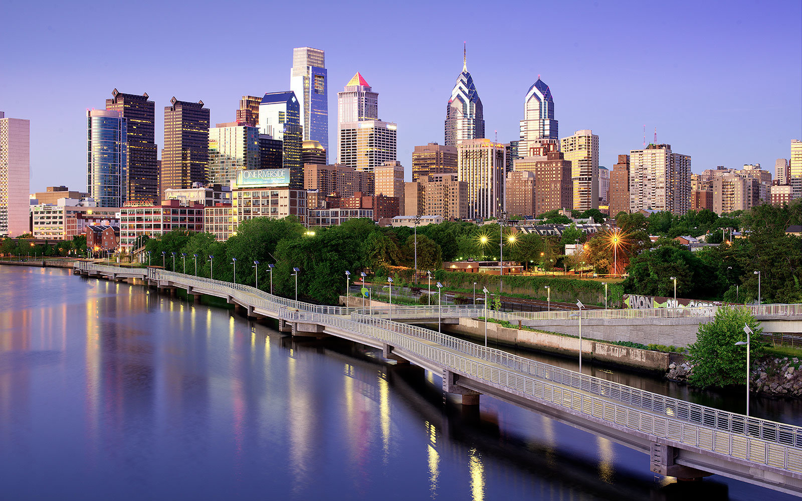 Philadelphia,  Schuylkill River in the evening