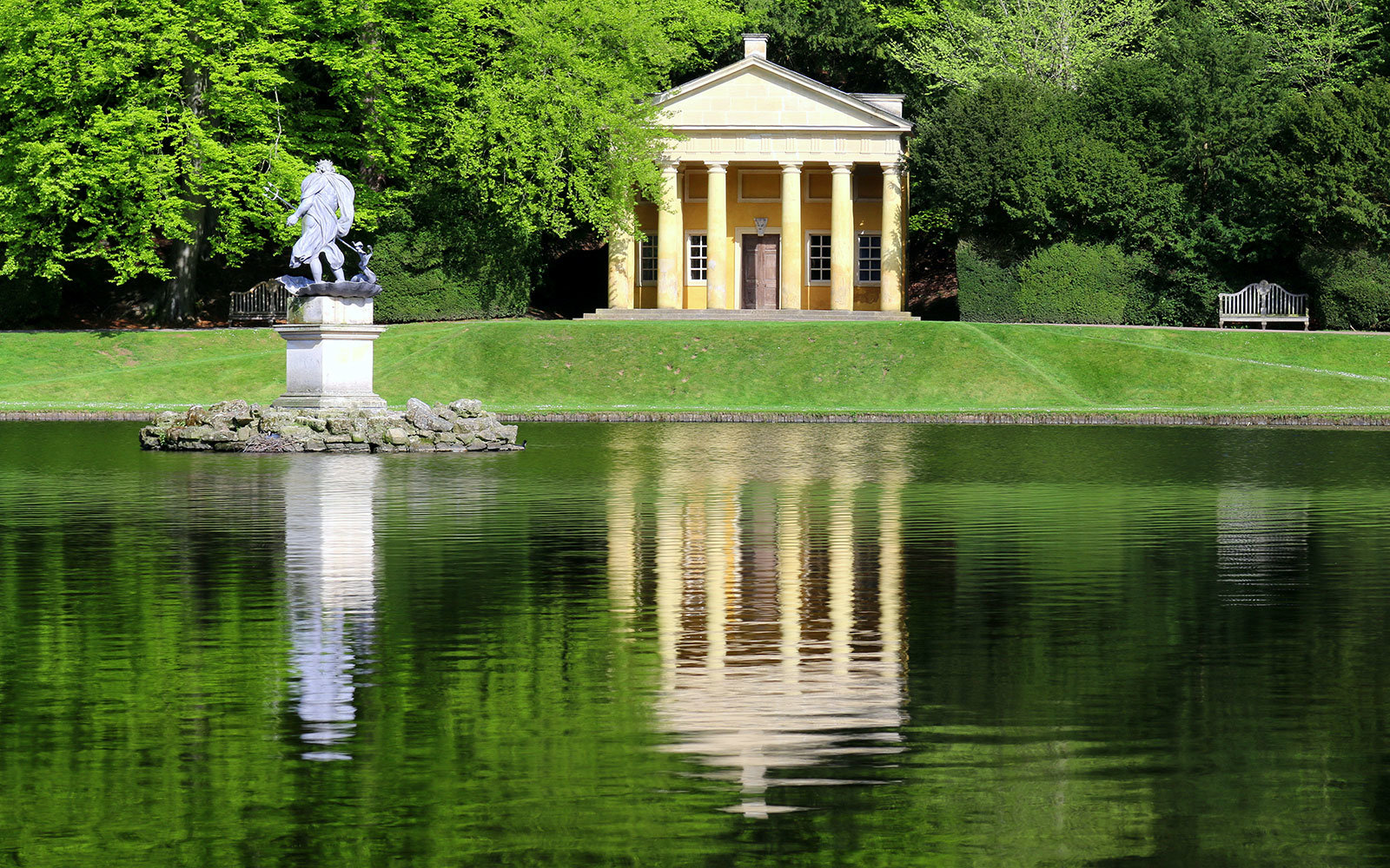 Most beautiful english gardens - Fountains Abbey And Studley Royal Water Garden North Yorkshire