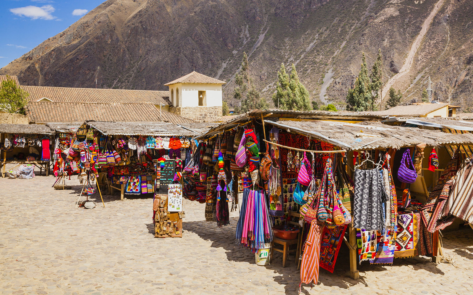 Souvenir Shopping Peru