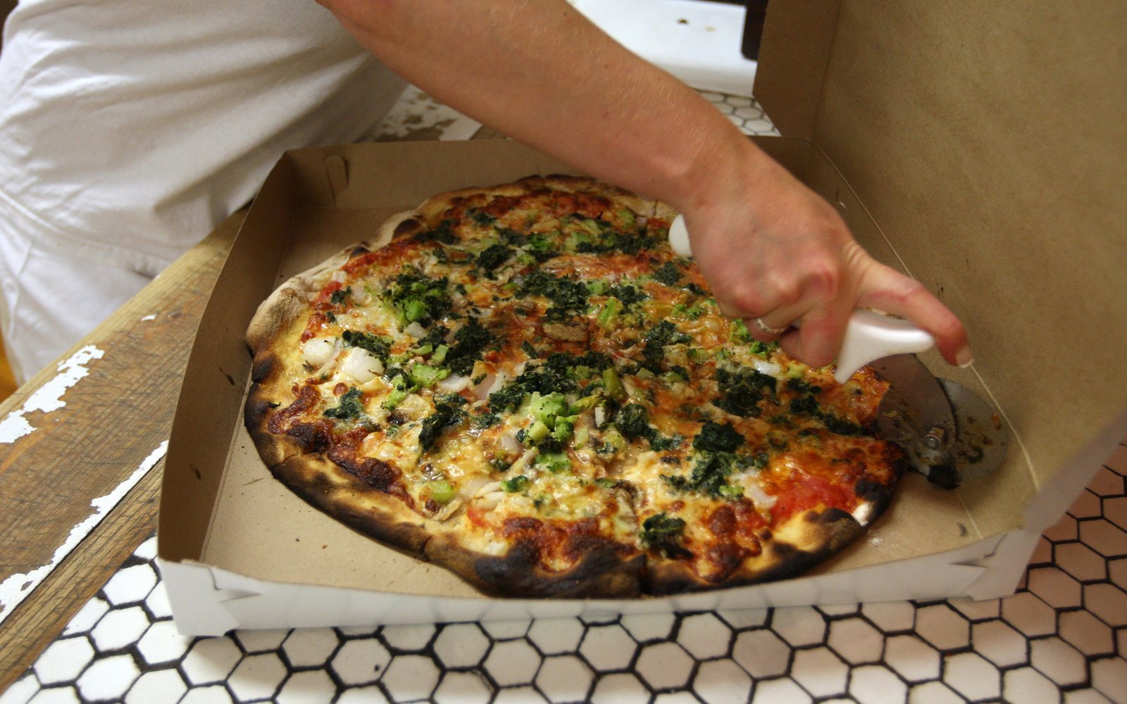 How to Take an Epic Pizza Tour of New Haven (FWX)