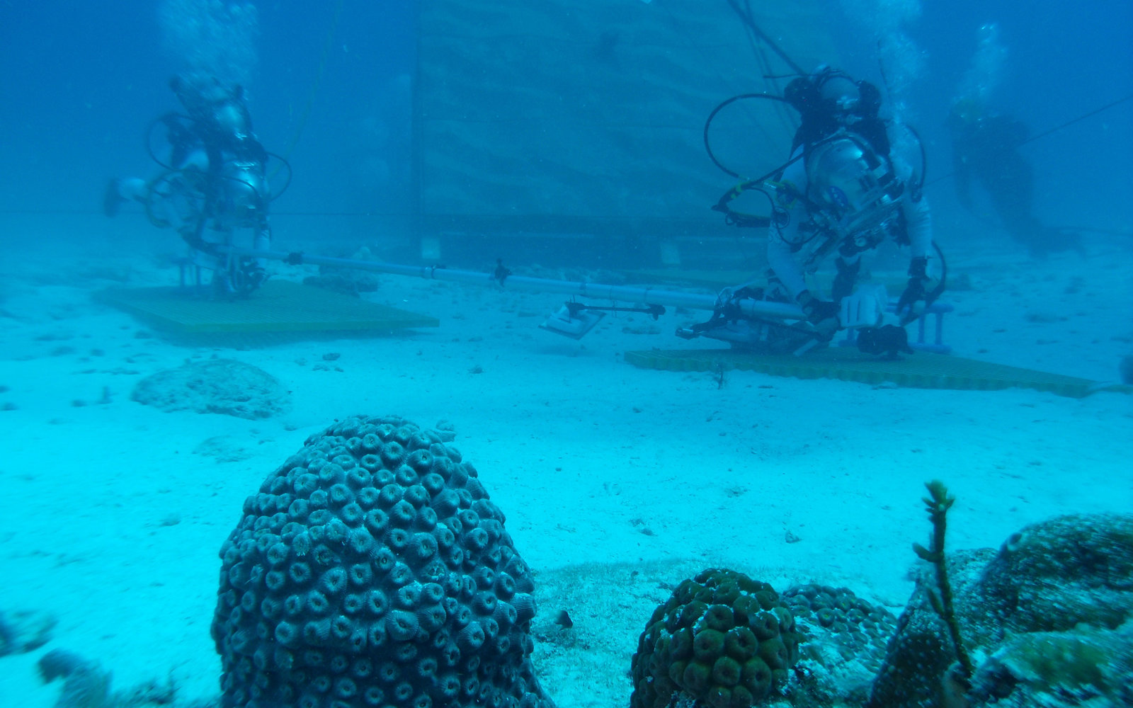 underwater-space-2-NASA0716.jpg