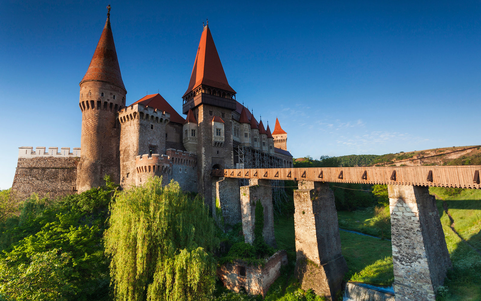the medieval castle The top 100 of medieval castles in europe and asia more than 10000 medieval castles can be found topcastlescom selected the most beautiful and interesting castles and ranked them in a top 100 list.