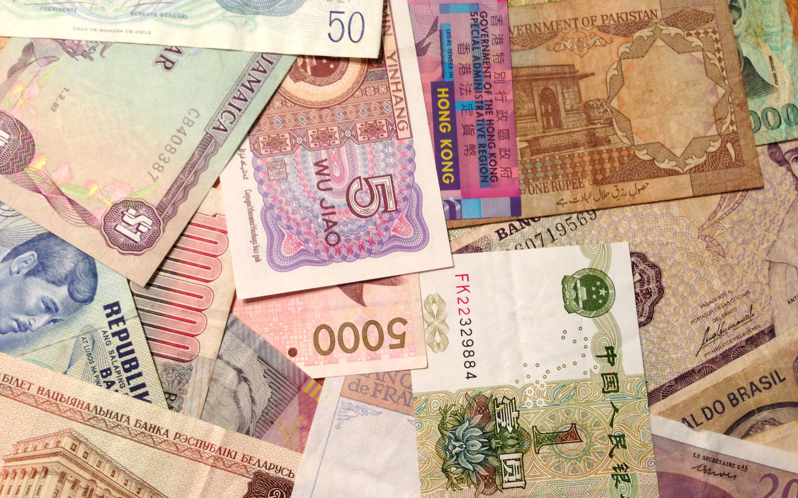 The One Type of Currency All International Travelers Should Watch Out Fo