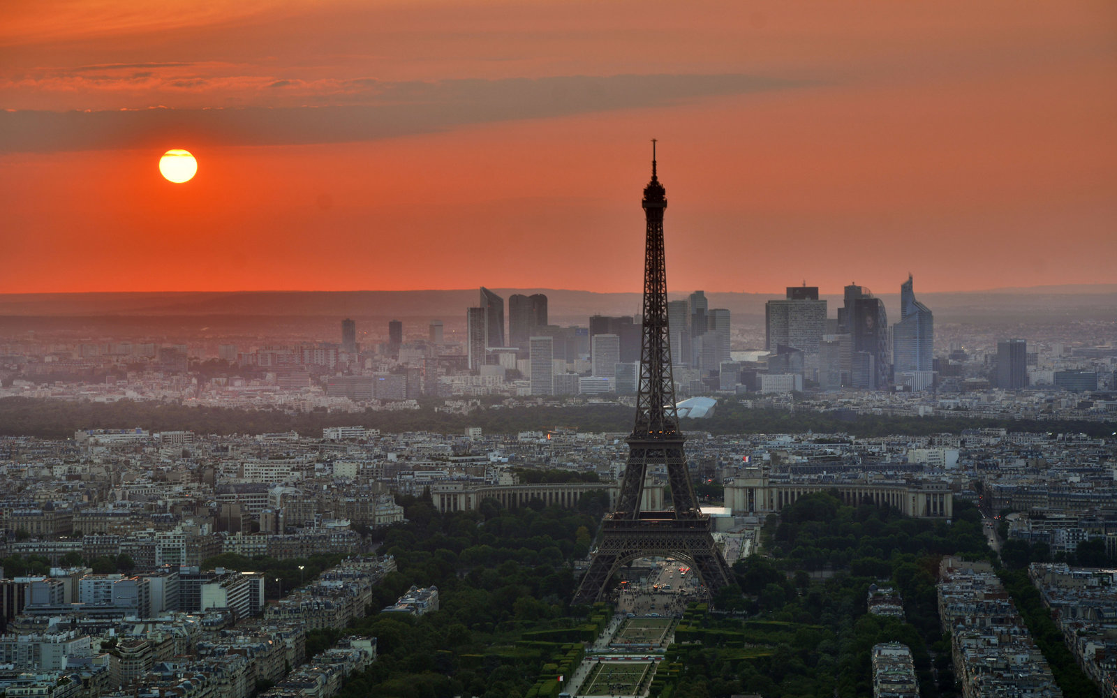 Paris Loses Tourism
