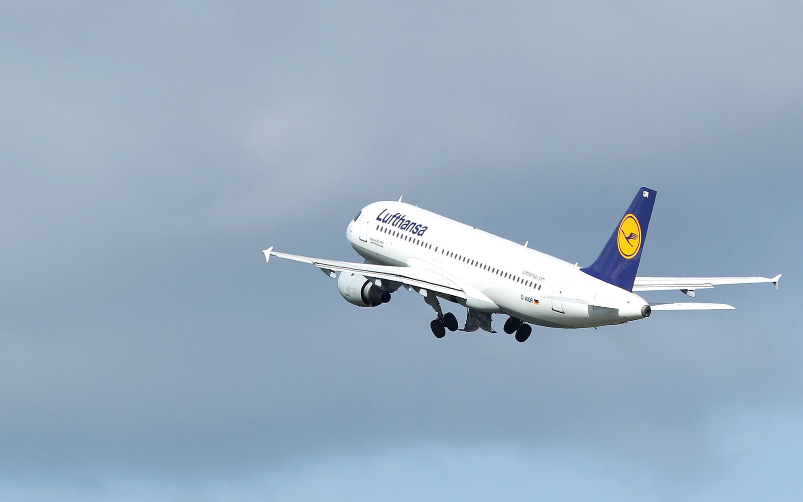 Lufthansa Just Became the First European Airline to Use TSA PreCheck