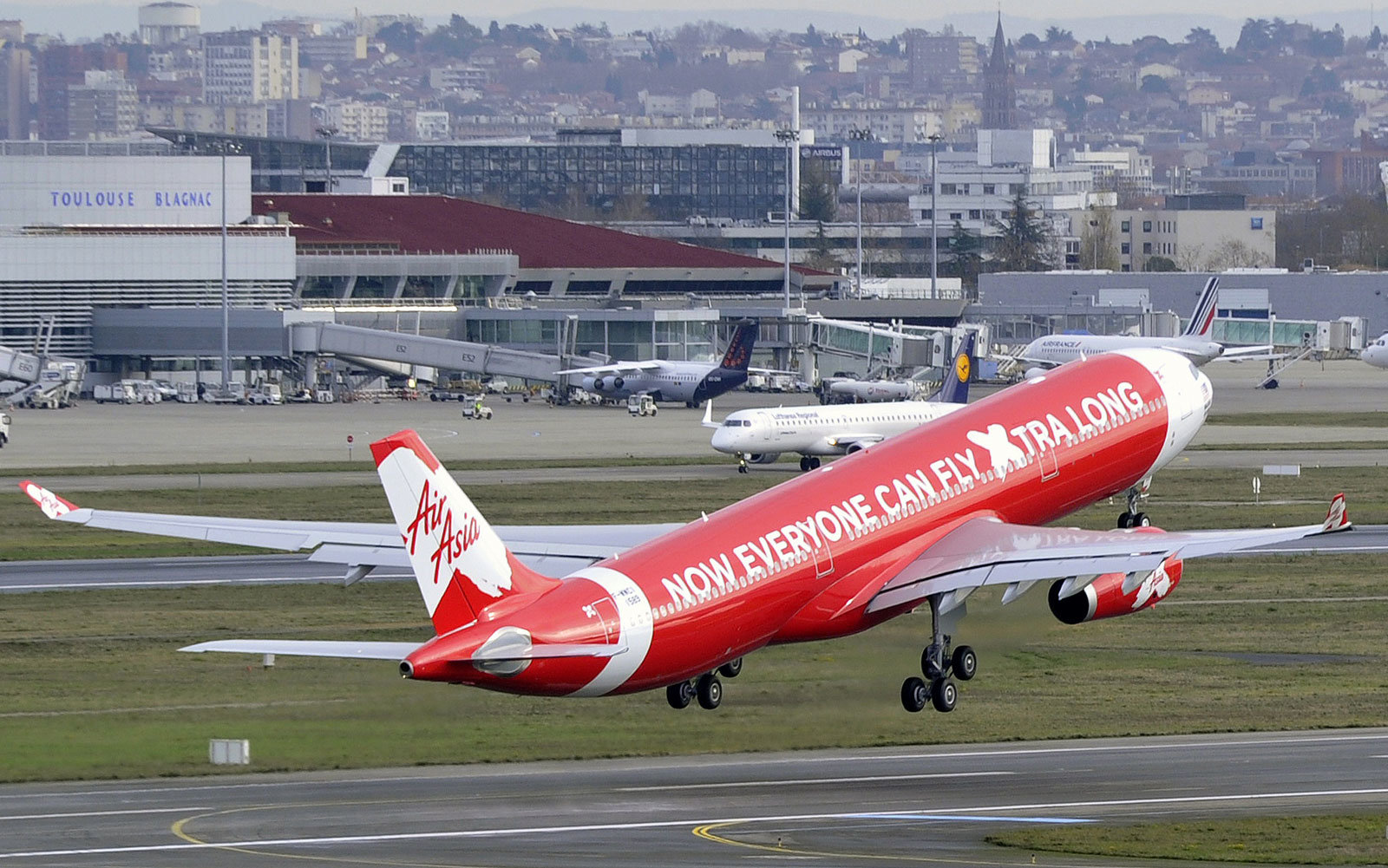An error caused an AirAsia flight to go to Australia instead of Malaysia.