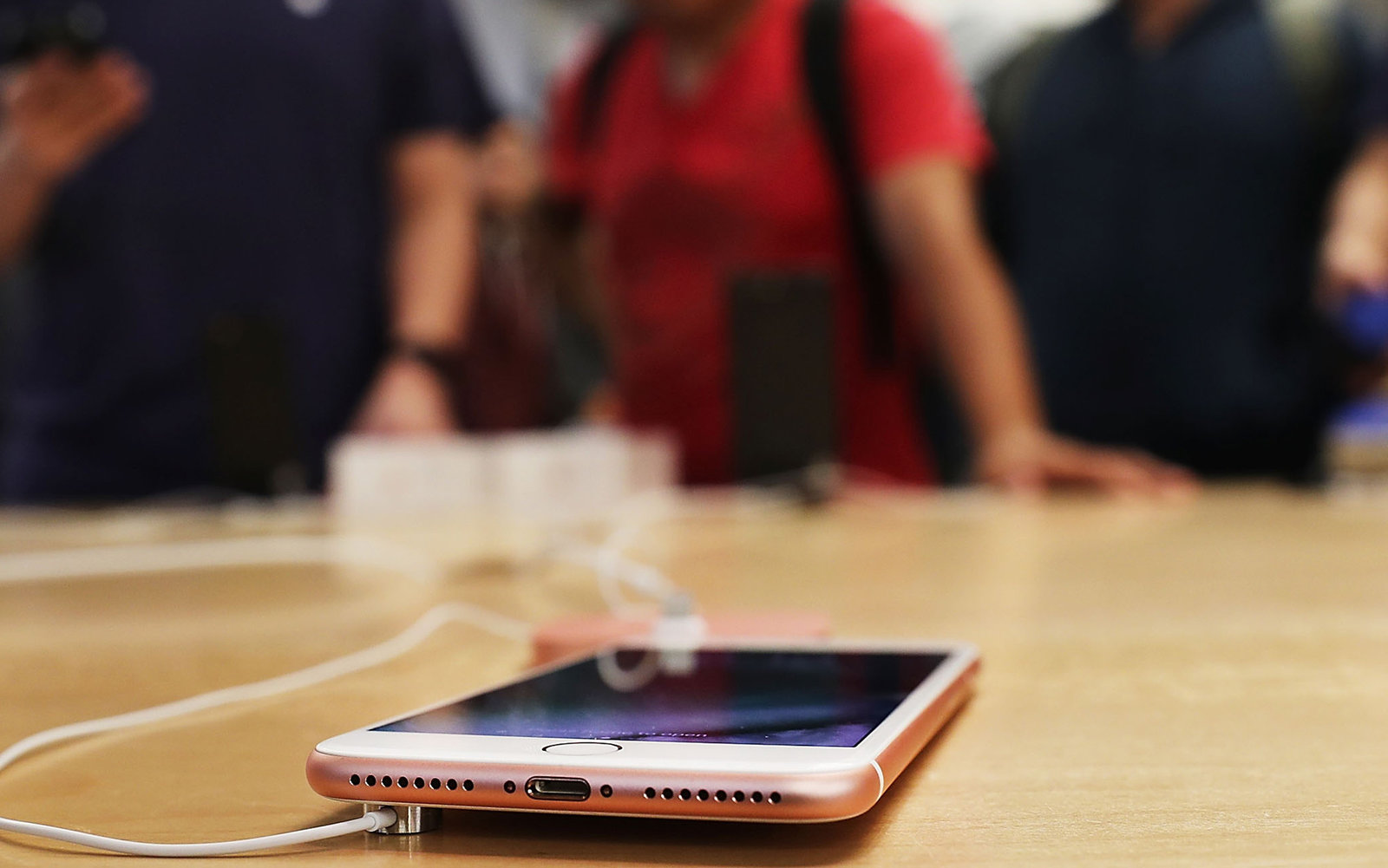 They Replaced the Headphone Jack With Nothing