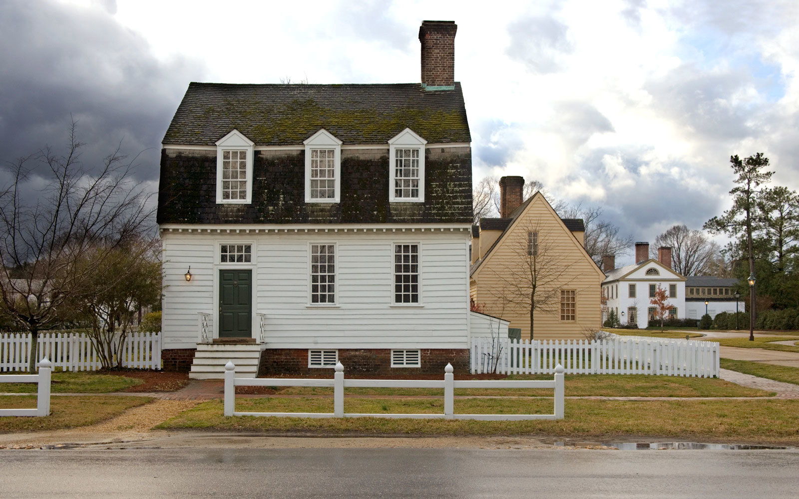 Haunted Colonial Houses in Williamsburg