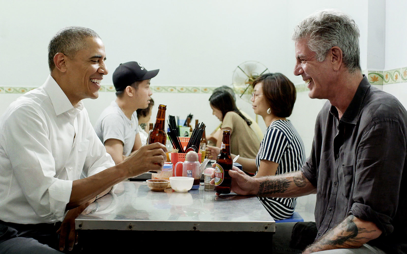 hanoi-bourdain-obama-PARTS0916.jpg