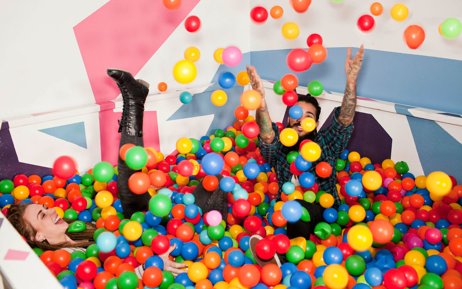 Japan Has A Bar That's A Giant Ball Pit