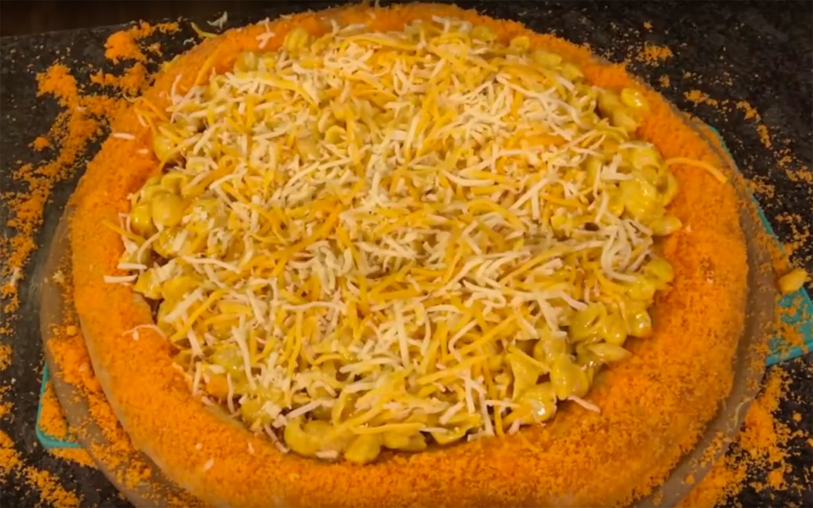 People Are Losing Their Minds Over This Mac 'N Cheetos Pizza