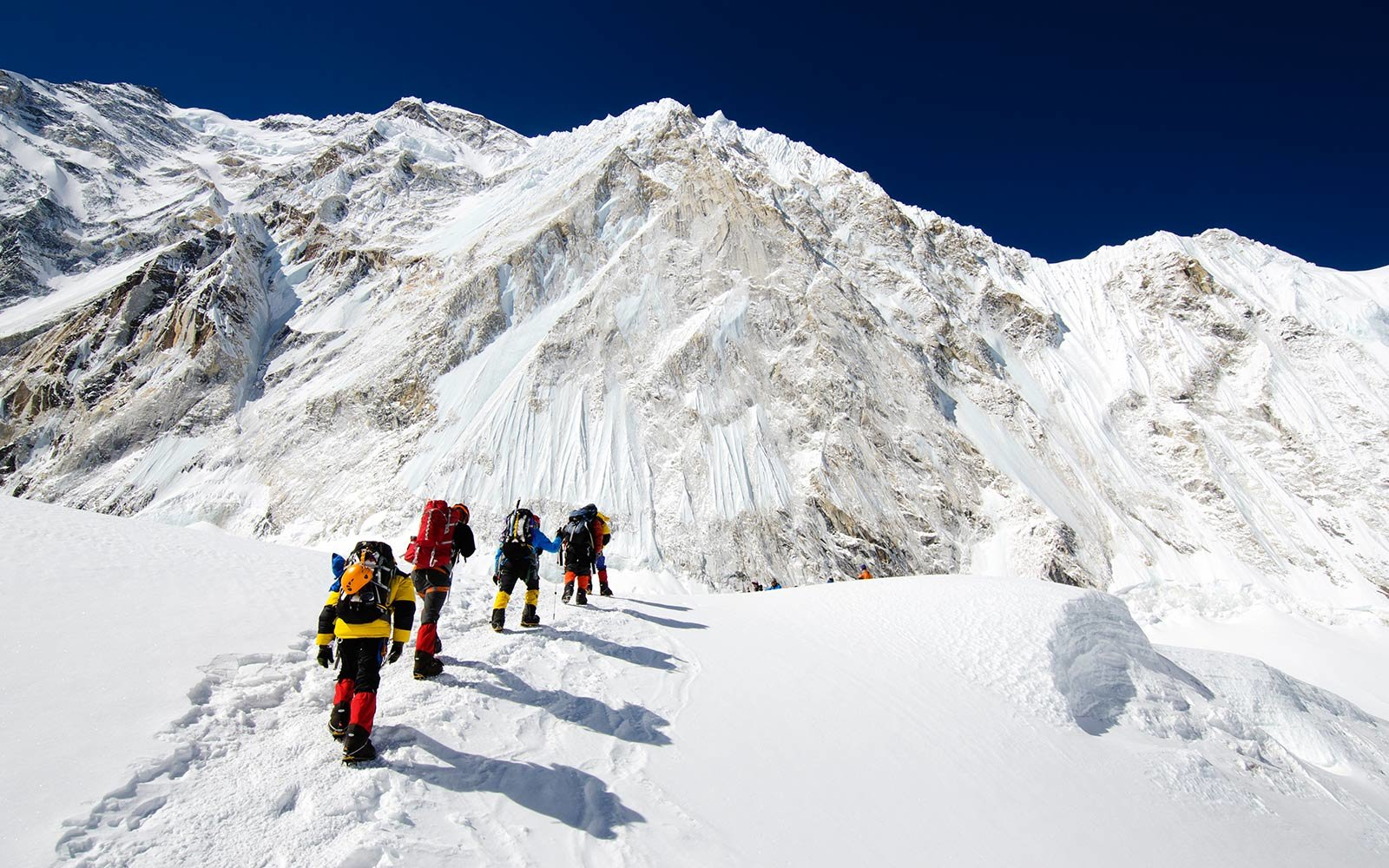 Sports Illustrated to produce first complete VR Mt. Everest climb