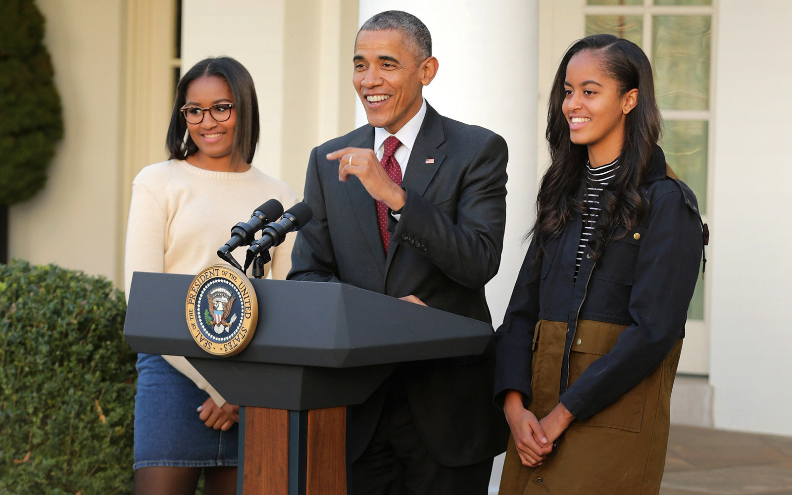 President Obama Imitating His Daughters on Their Phones Confirms That He's the Ultimate Dad